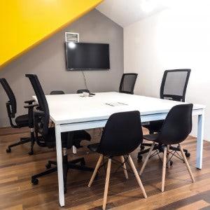 Oficinas en barcelona crec coworking - Oficina empleo barcelona ...