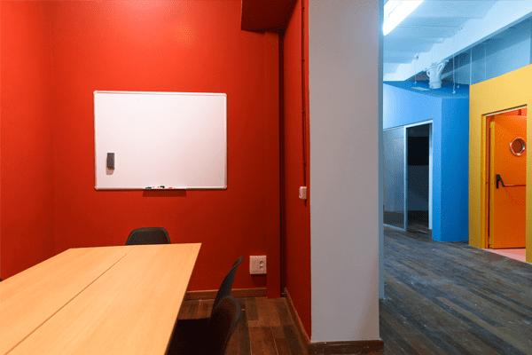 Lloguer-espais-Barcelona-sala-reunions-Moulin-Rouge-2