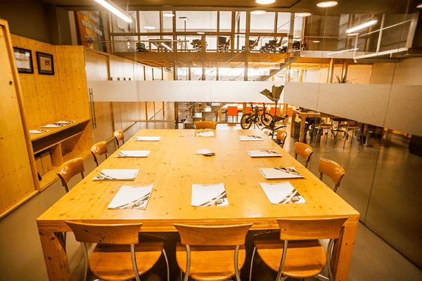 Lloguer-espais-Barcelona-sala-reunions3-Poblesec-1