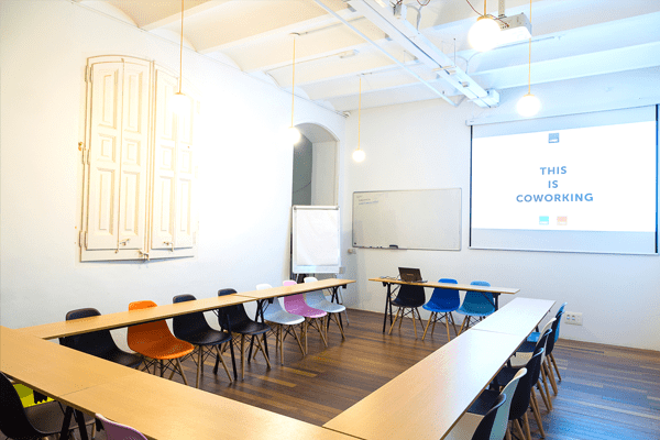 Space-rental-Barcelona-meeting-room-Sheldon-Cooper-2