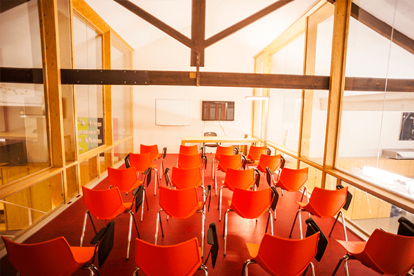 Space-rental-Barcelona-meeting-room1-Poblesec-3