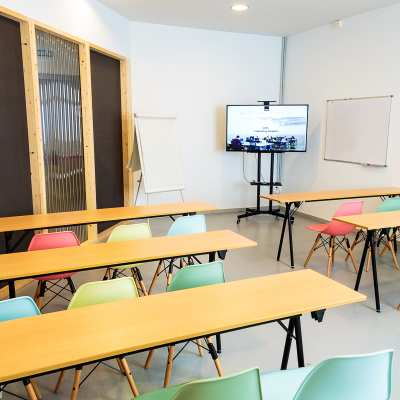 Sala de reuniones Hawkins CREC Coworking Sabadell